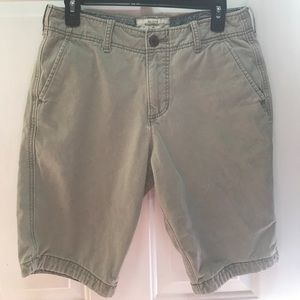Hollister. Size 30. Great condition!!